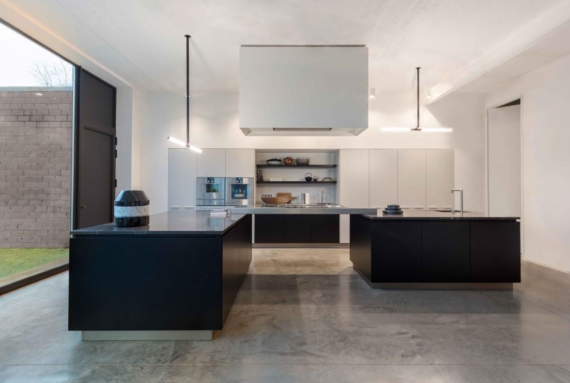 Haengeleuchte-Deckenleuchte-Delta-Line-und-Light-XY180-schwarz-weiß-LED-modern-Eggers-Einrichten-Interior-Design-Muenchen-Raumausstattung-Inneneinrichtung-X