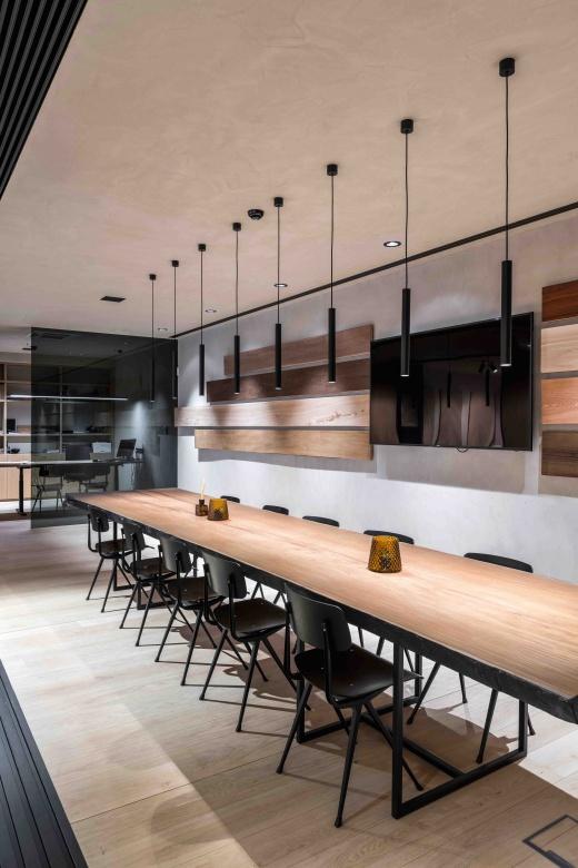 Pendelleuchte-Delta-Line-und-Light-Microspy-C-modern-Eggers-Einrichten-Interior-Design-Muenchen-X