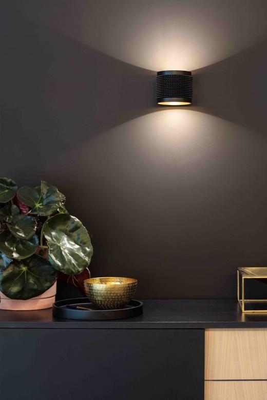 Wandleuchte-Delta-Line-und-Light-Orbit-Punk-LED-schwarz-modern-Eggers-Einrichten-Interior-Design-Muenchen-Raumausstattung-Inneneinrichtung-X