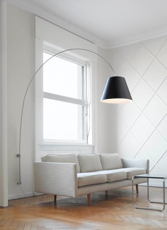 Wandleuchte Schirmleuchte schwarz mit Stecker Lady Constanca Luceplan Eggers Einrichten Interior Design Muenchen
